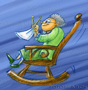 velho-mulher-tricotando-balanco-cadeira-u131839782